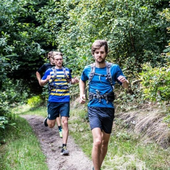 Trailløb i skoven