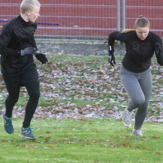 politi-roughntough-traening-stadion-løb