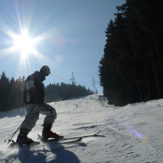 Simon på ski