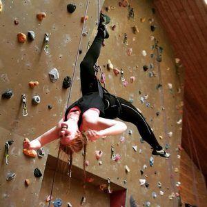 klatring, hovedet ned, klatrevæg, idrætshøjskolen viborg